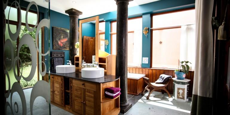 PL931-maison-Sarlat-bain-piscine