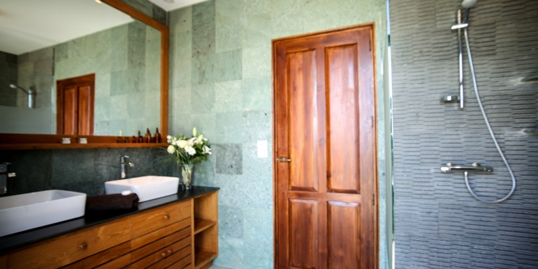 PL931-villa-bain-Sarlat-hauteurs