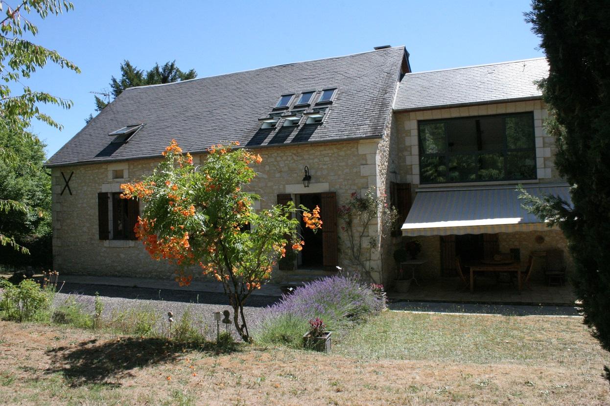Maison et grange sur terrain de 3133m² , Sud de Sarlat