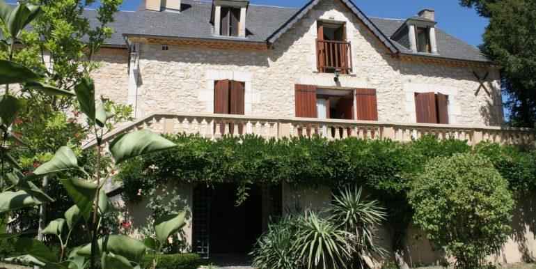 B937-Maison et grange à vendre, sud de Sarlat