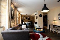 Coeur de ville de Sarlat, duplex, deux chambres en suite
