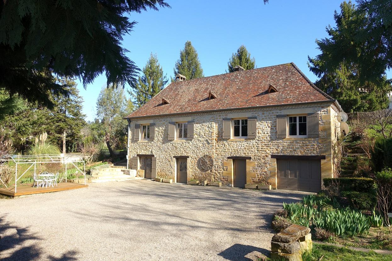 Maison sarlat maison dupliac terrasse avec sa cuisine for Constructeur de maison sarlat