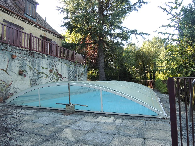 Maison en pierres, jardin et piscine, hauteurs de Sarlat