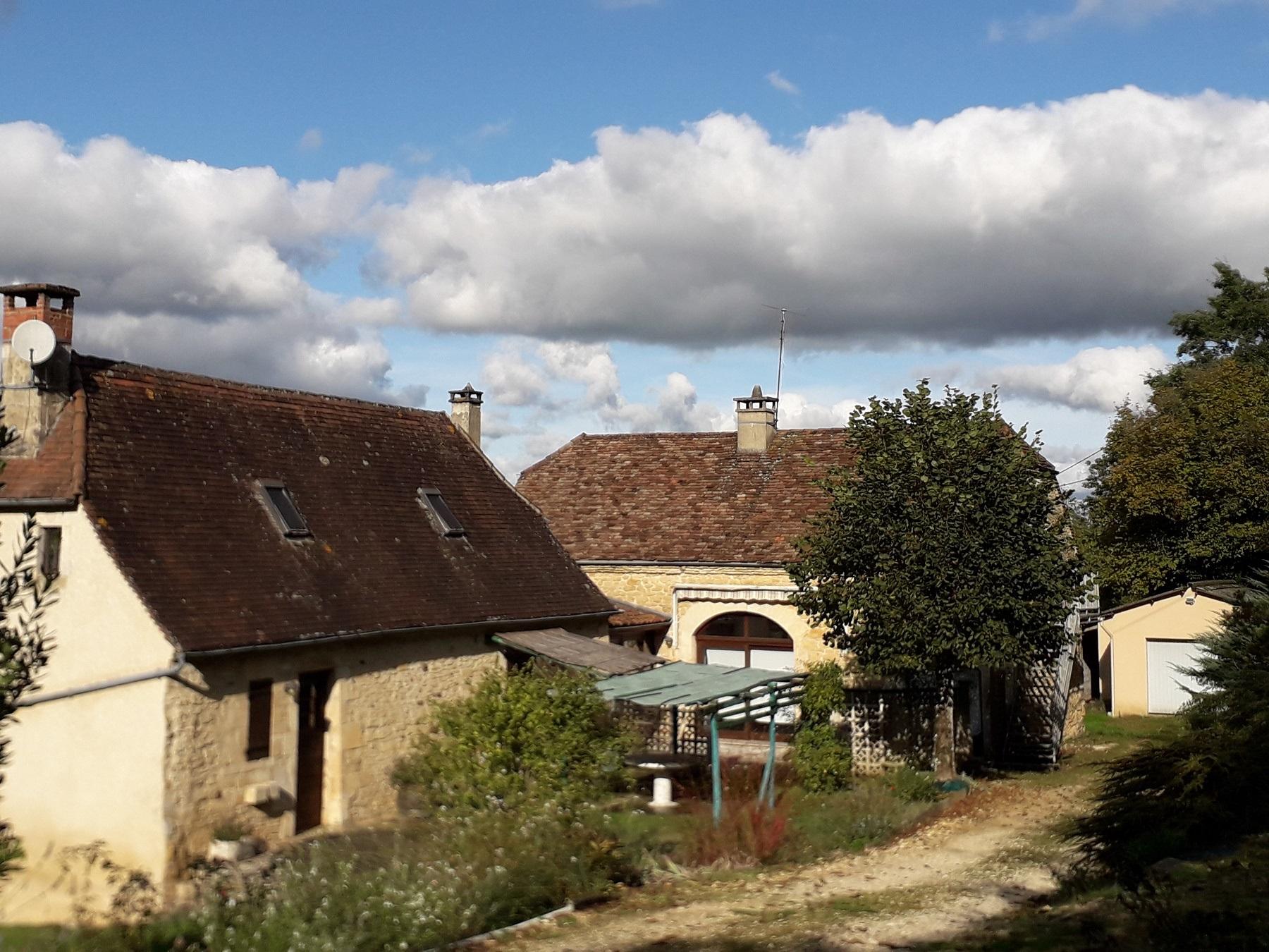 Deux maisons en pierre, terrain de 2764m²