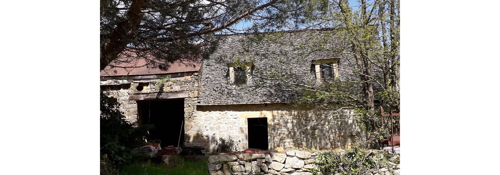 Maison de caractère, restauration à terminer, terrain