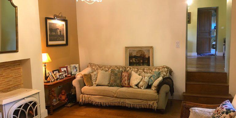 BUGU OUR HOME LIVING ROOM 2