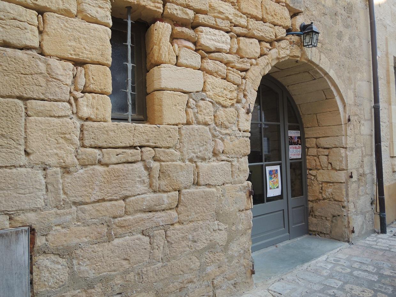 Local commercial de caractère, cité médiévale de Sarlat