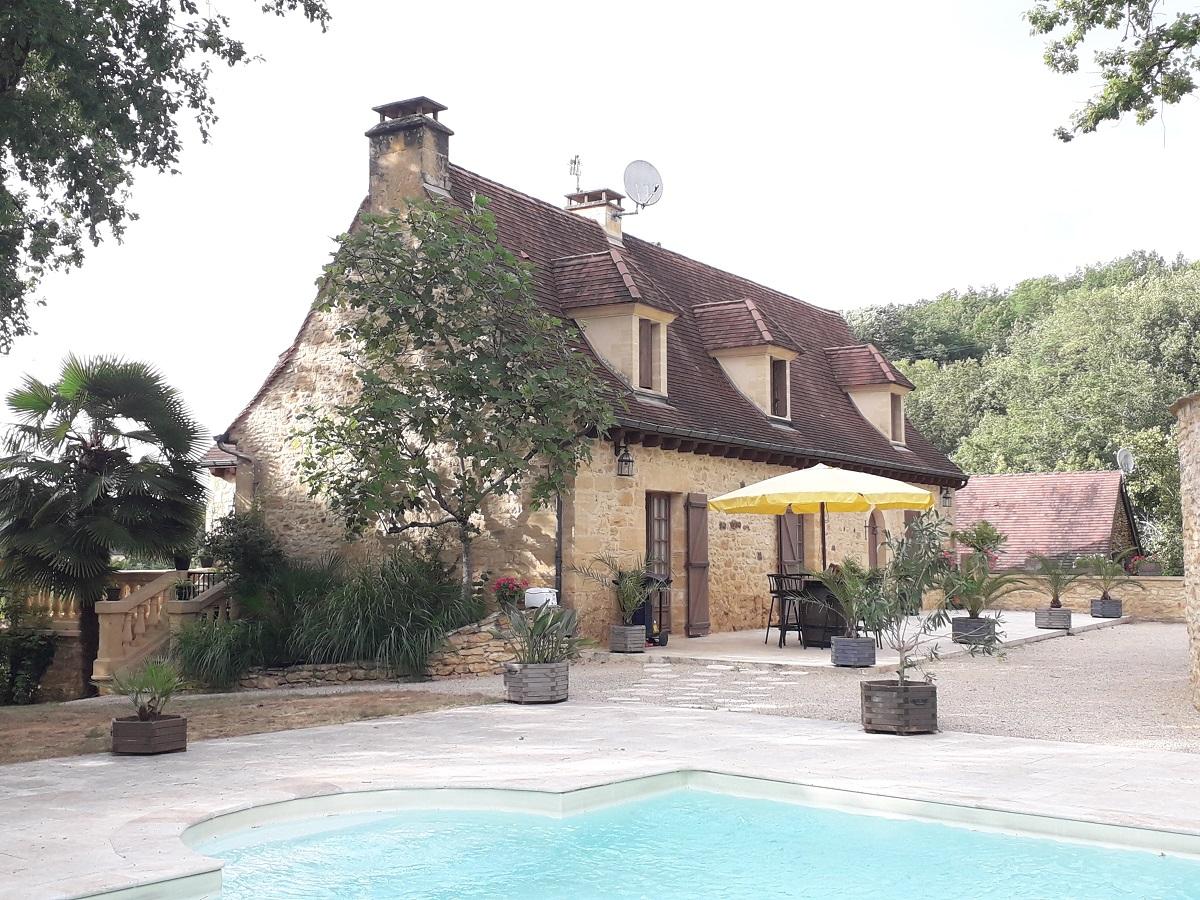Propriété en pierre, piscine, terrain, à Sarlat (24)
